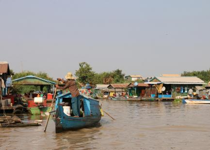 CAMBODGE-LAOS-VILLAGE FLOTTANT